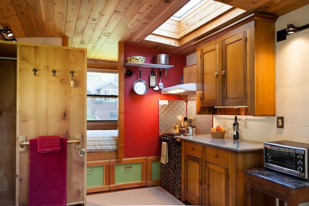 garden-caravan-tiny-house-3.jpg