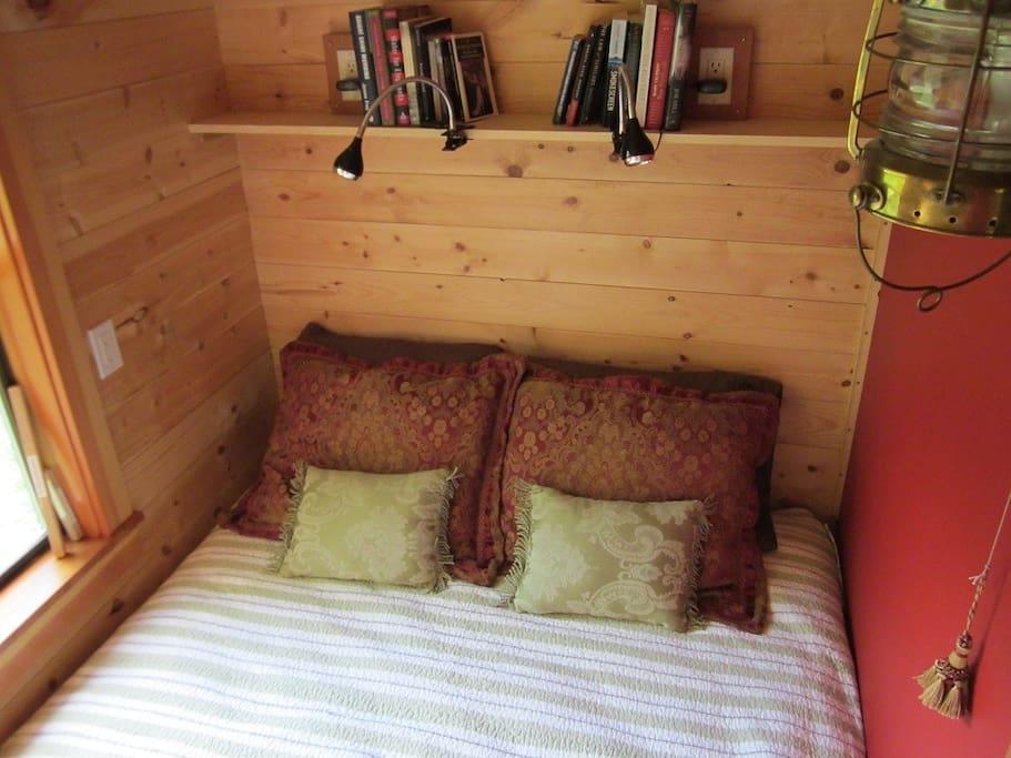 garden-caravan-tiny-house-10.jpg