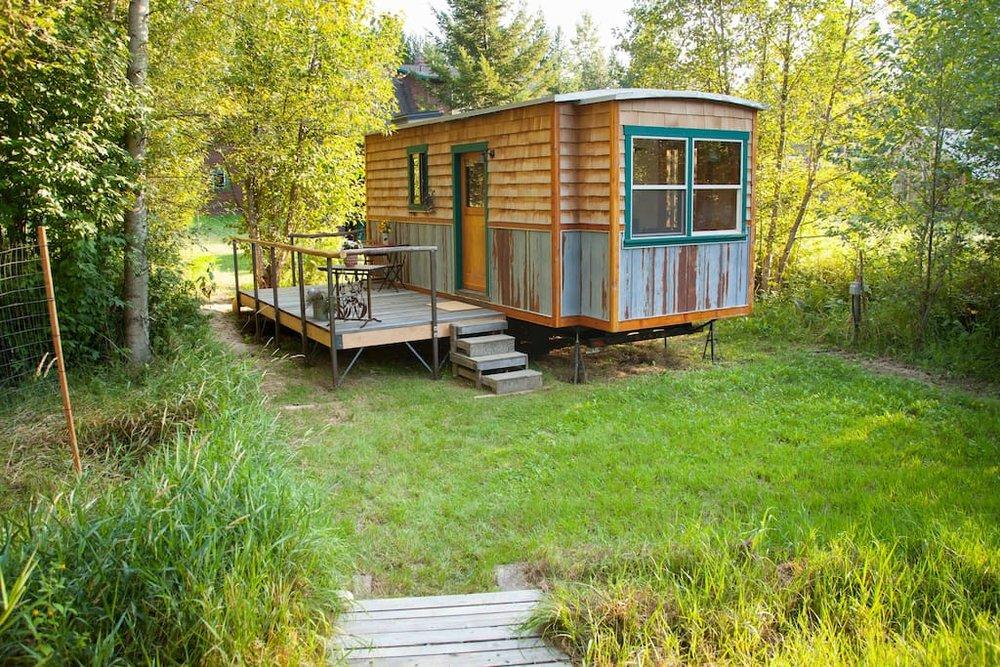 garden-caravan-tiny-house-14.jpg