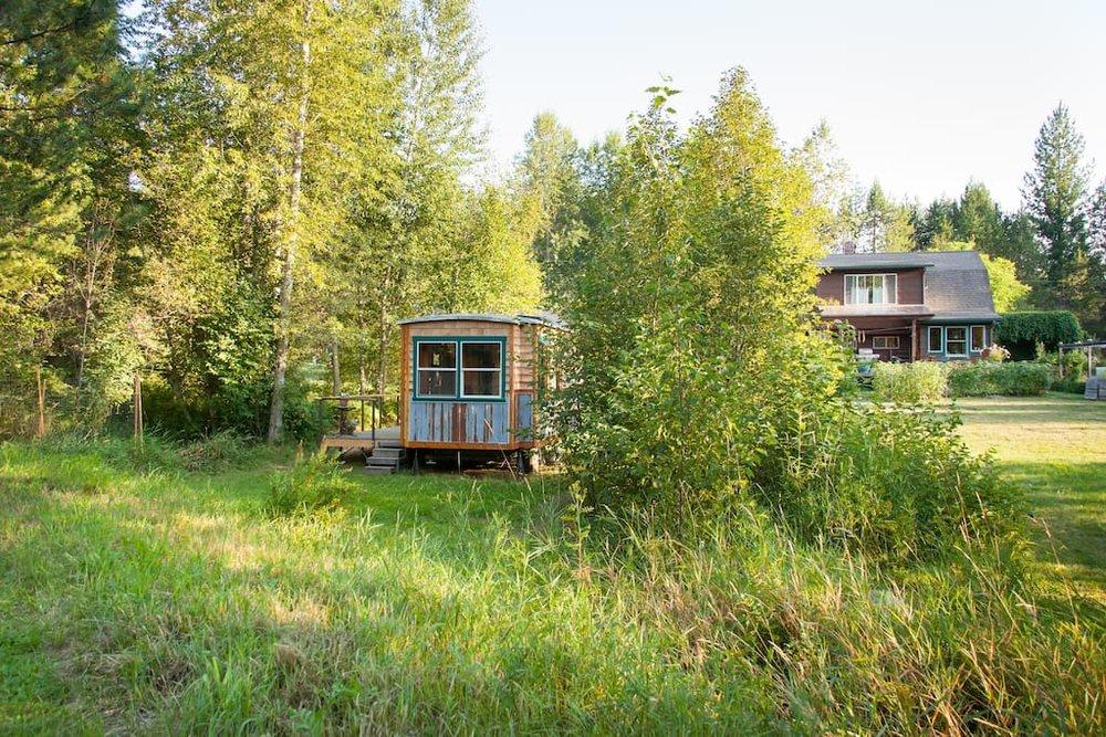 garden-caravan-tiny-house-15.jpg
