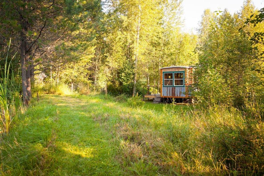 garden-caravan-tiny-house-16.jpg
