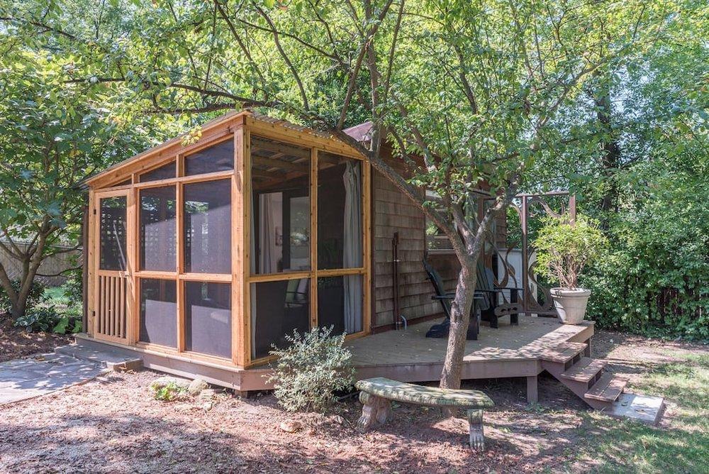 urban-cottage-airbnb-2.jpg