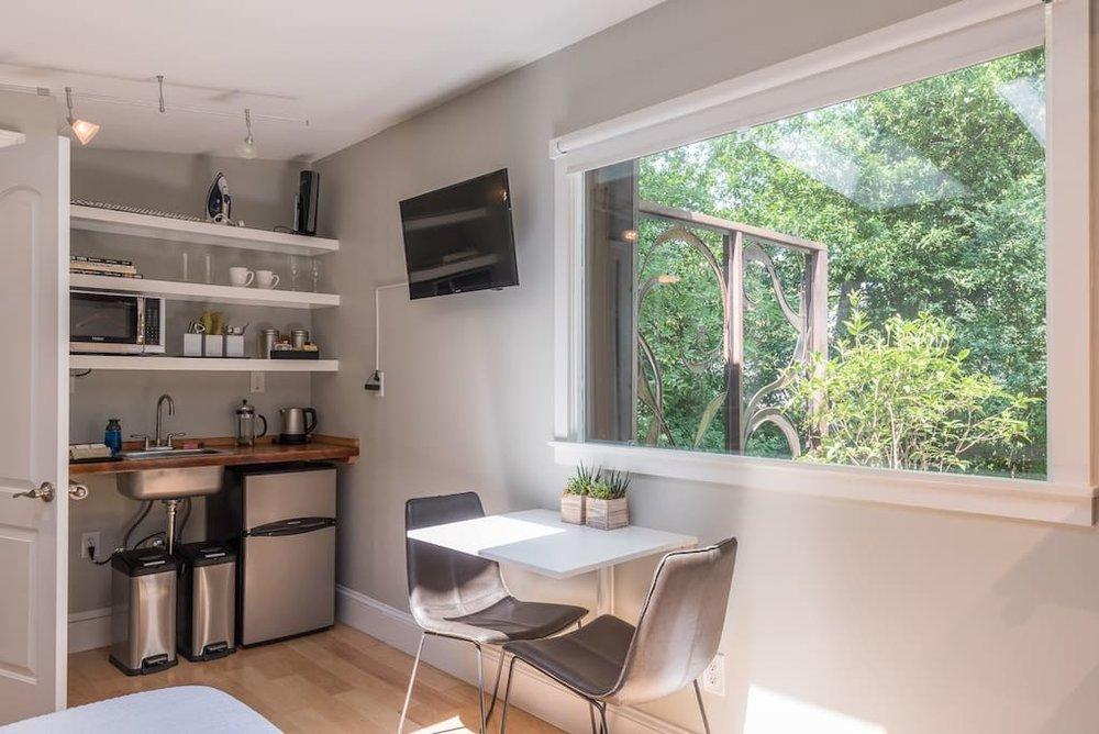 urban-cottage-airbnb-6.jpg