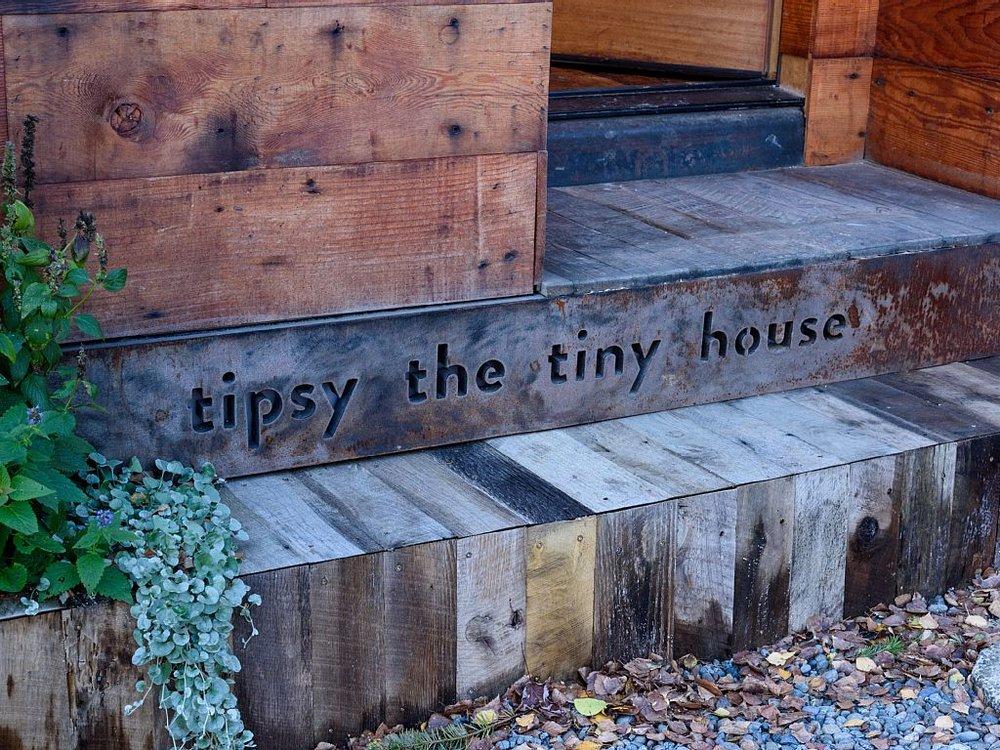 tipsy-tiny-house-11.jpg