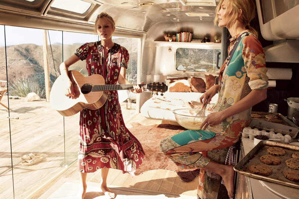 taylor swift karlie kloss airstream 2.png