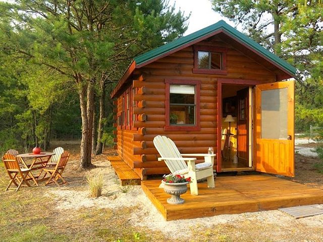 A cozy off-grid cabin available for bookings in New Jersey!  Link in bio! . . . #tinyhouse #tinyhome #cabin #airbnb logcabin