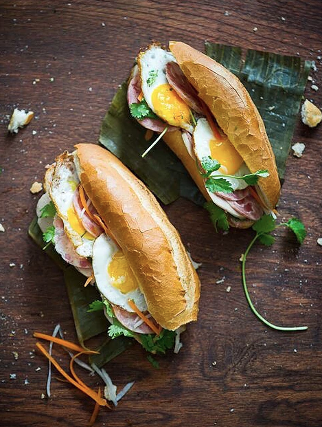 Bahn Mi Zon - There is no love more sincere than the love of BANH MI.