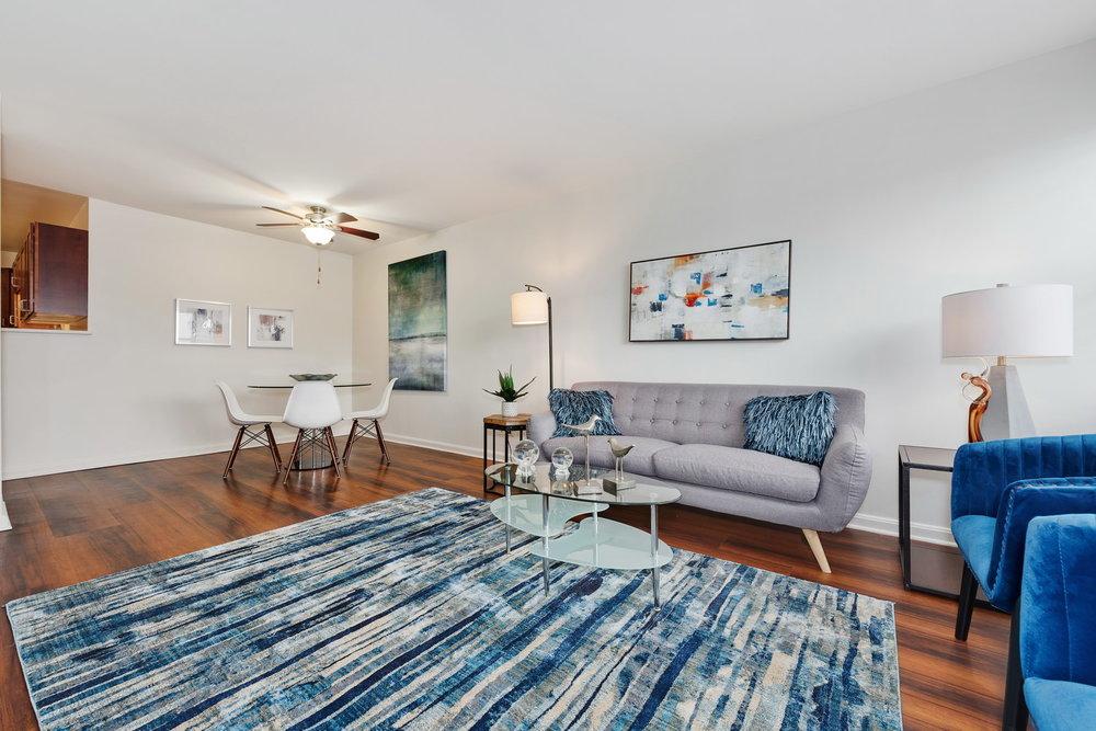 510 W Belmont - Living Room 3