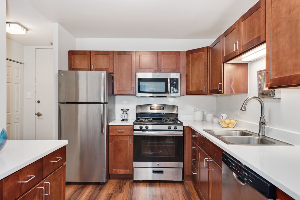 510 W Belmont - Kitchen 1