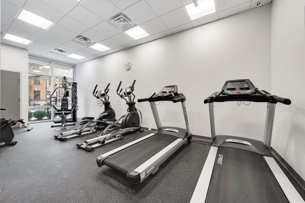 510 W Belmont - Fitness Center