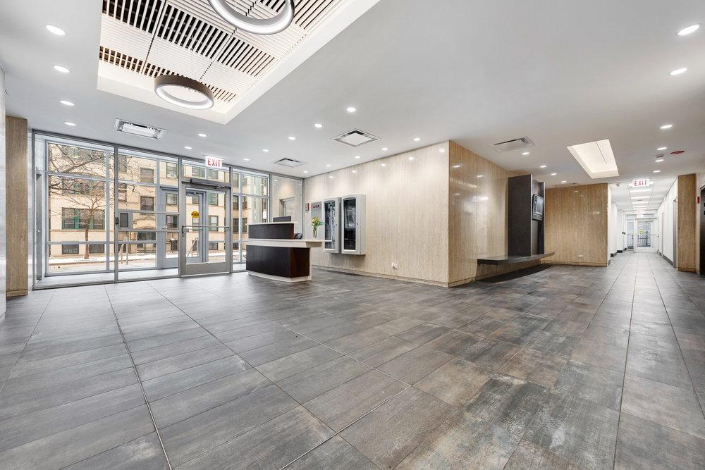 510 W Belmont - Lobby