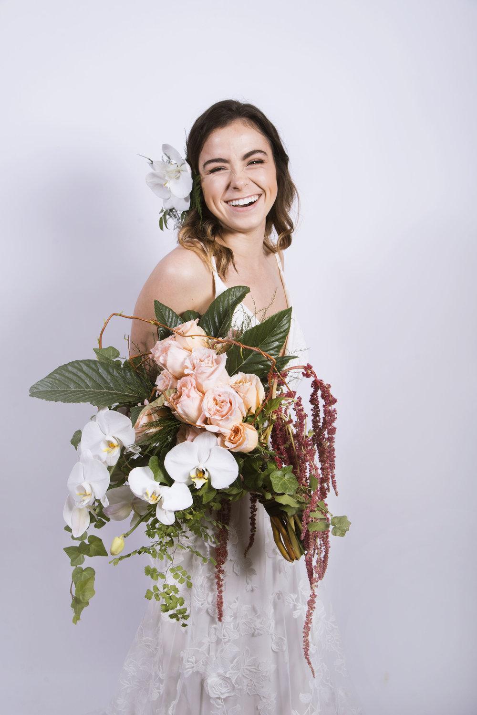 chyna bouquet white 001.jpg