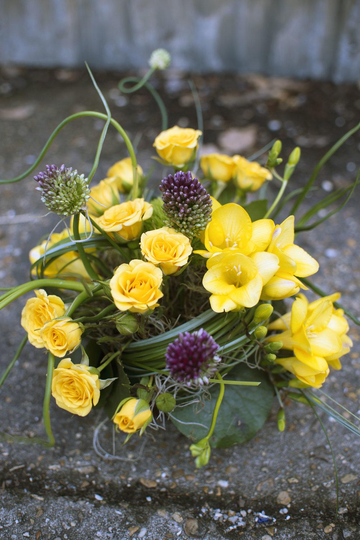 mardi gras mitchs flowers new orleans florist monique chauvin tillandsia allium organic floral design wedding flowers centerpiece 2.jpg