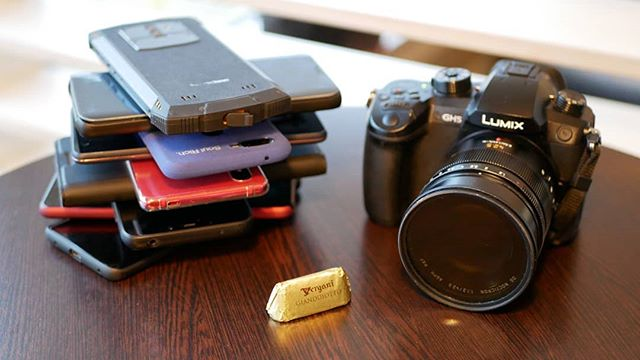 When the Tech Travel Geeks travel there are usually a few devices joining us for the trip. Healthy and happy 2019 everyone! #tech #travel #geeks #mobile #panasonic #ShotOnPanasonicGX80 #GX80 #MicroFourThirds