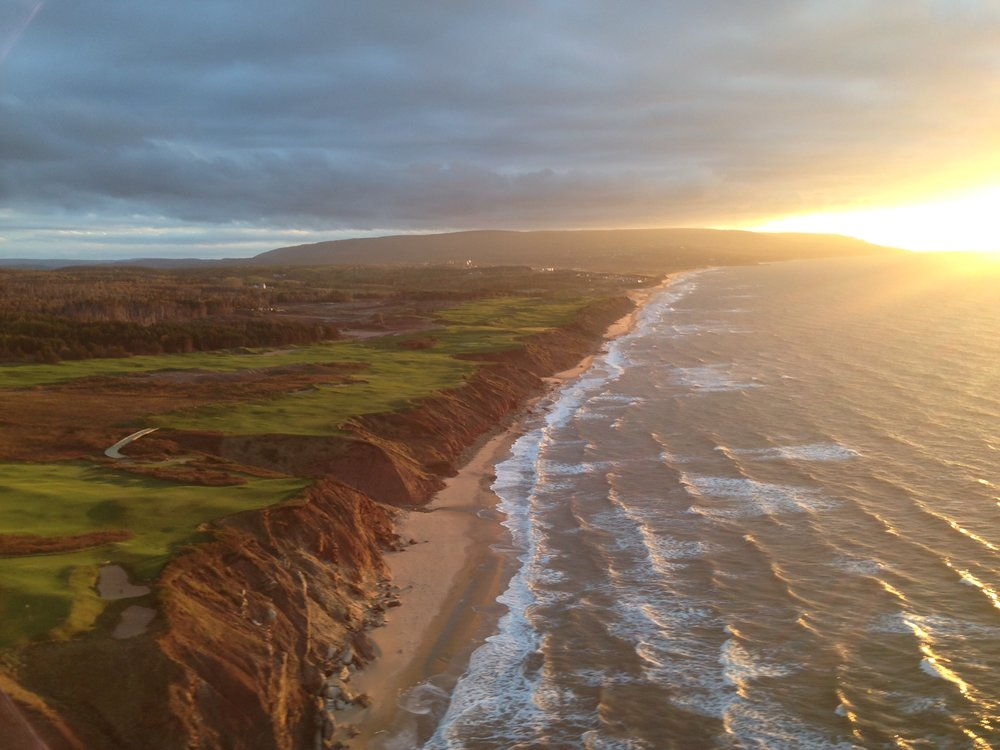 A birds eye view of Cabot Cliffs