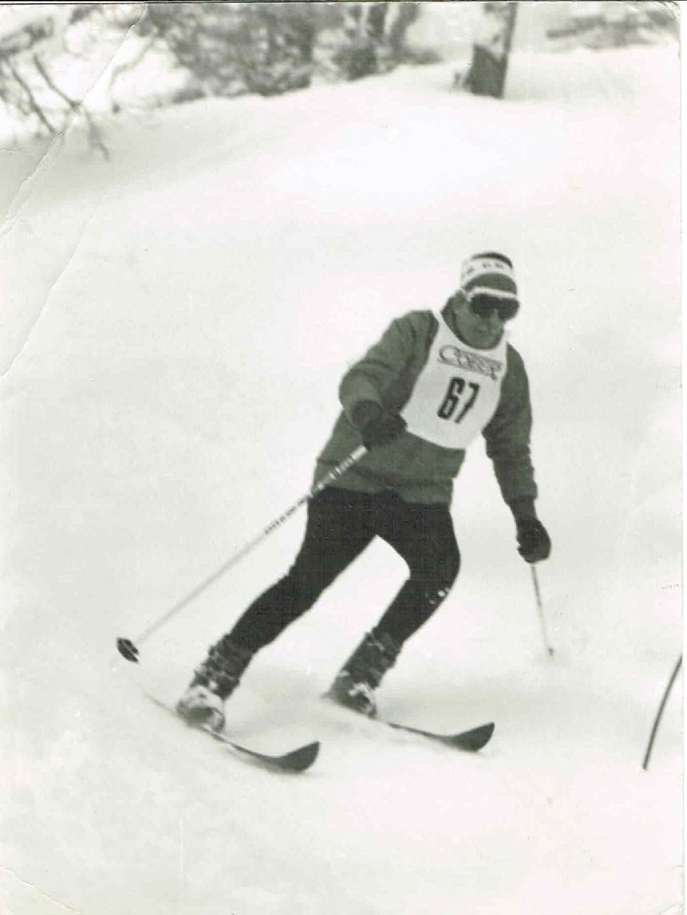 Arthur enjoying the visitors ski race at Sauze d oulx in about 1984-page-001.jpg