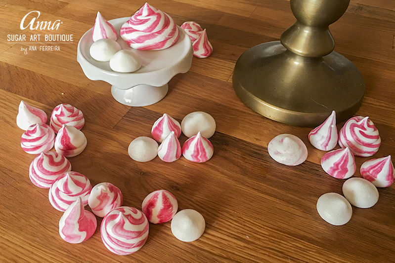 strawberry_meringues_1.jpg
