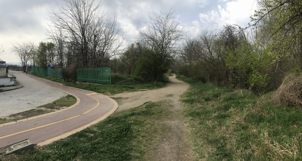 To the left is Grebna Baza's main canal while the riverbank trail is following the obvious singl