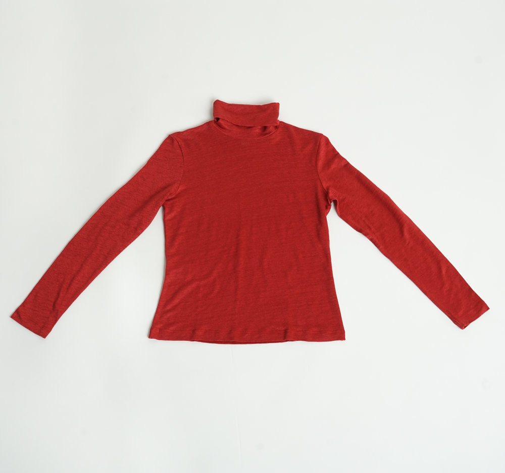 RED TURTLE NECK TOP - €78