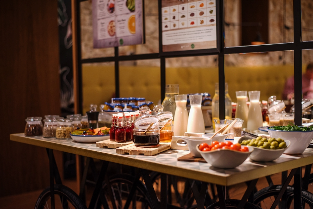 member benefits_ - add the breakfast buffet to your coworking day for 10€+vat(online booking necessary)enjoy a 15% discount on the food&beverages menu