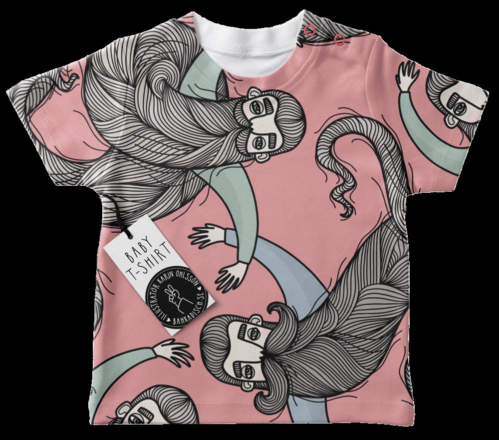 Karin Ohlsson BahKadisch_Skäggig-Baby-T-Shirt-Mockup-Rosa-Frilagd.png