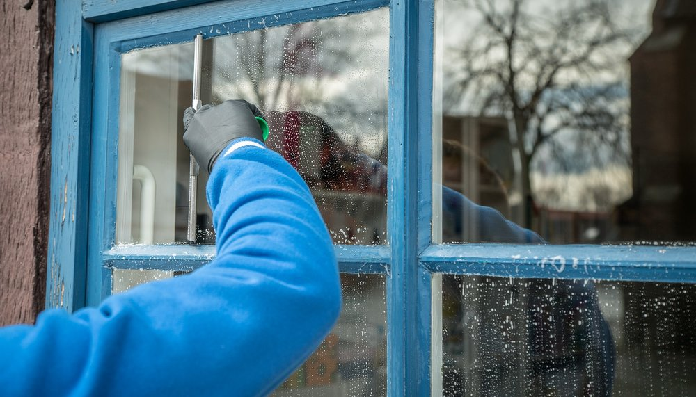 Professional Window Cleaning in Greenville, WI   A Service You Can Trust    Get a Free Quote