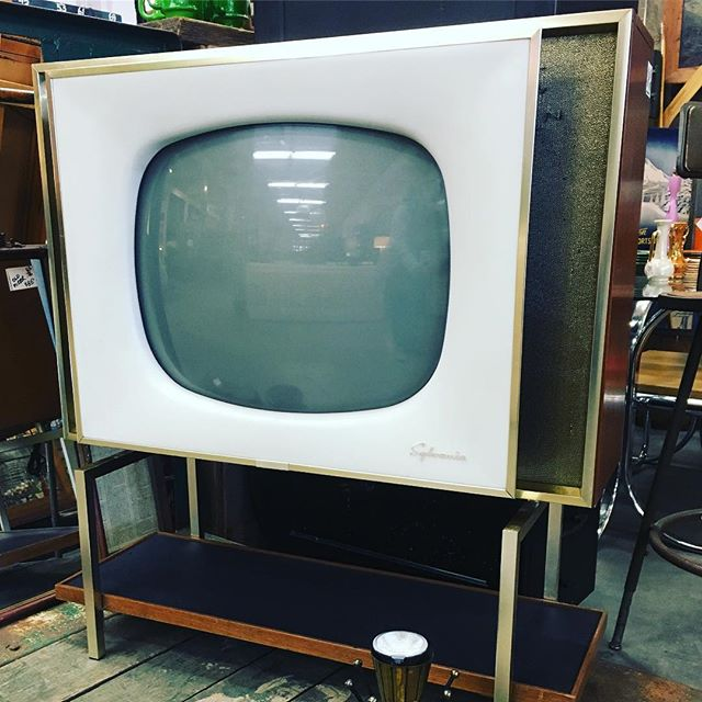 An original flat screen on fabulouso vintage style, welcome back to the 50s and the power of making every day items rock with sleek styling!  Your Portland Lifestyle Store Every day, 9-6 Come on in and say 'Hi' '