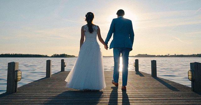 💍💐 | Vandaag hebben we de film voor Boris & Anastasiya afgemaakt! Binnenkort te zien op www.twodayfilms.nl . . Gaan jullie binnenkort trouwen? Kijk dan op www.twodayfilms.nl voor alle trouwfilm mogelijkheden. . . . . . #weddingfilms #twoday #trouwen #wedding #love #marriage #married