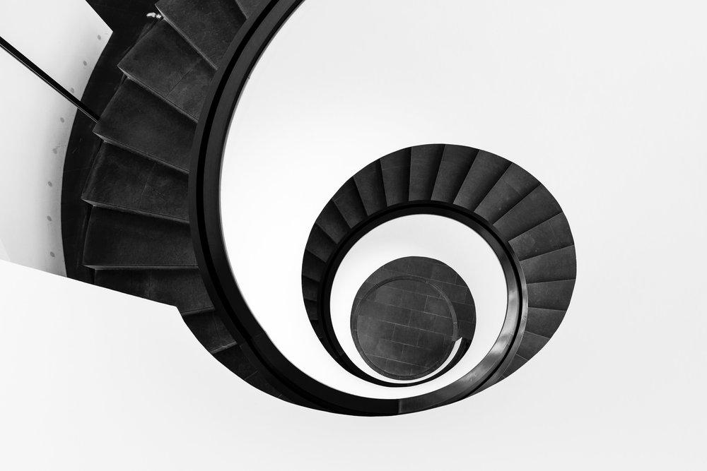 black-and-white-design-high-angle-shot-929282.jpg