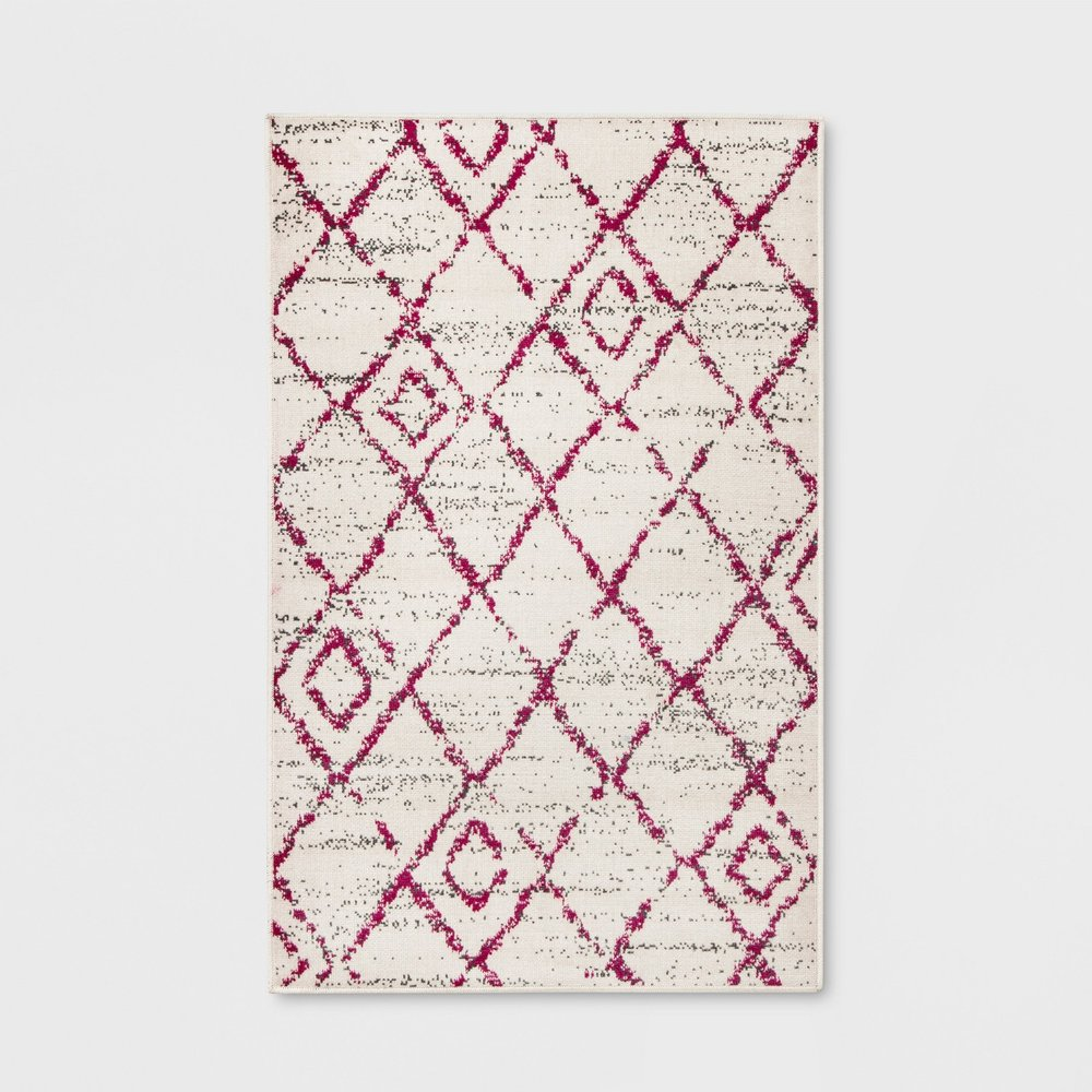 Opalhouse Diamond Outdoor Rug Pink