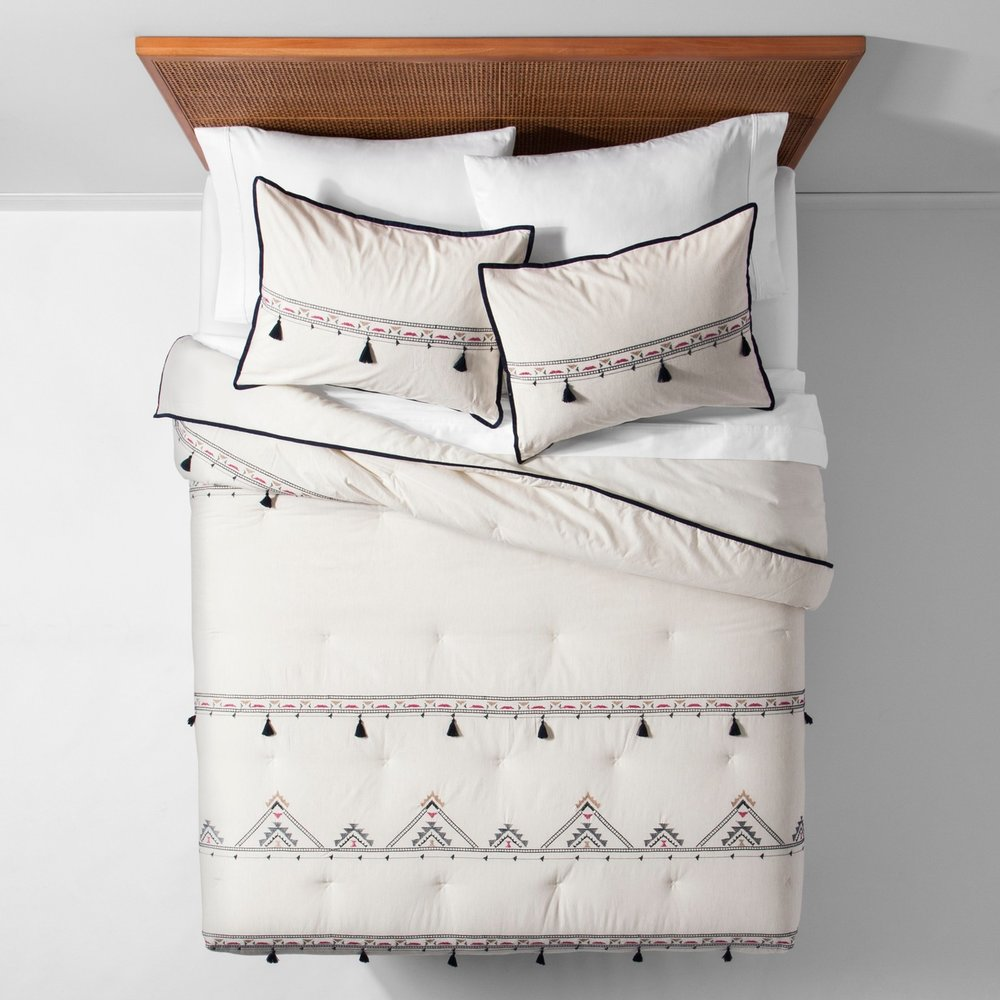 Opalhouse White Tassel Embroidered Comforter Set