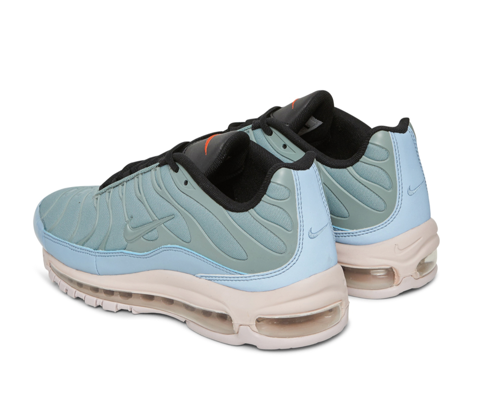 sneakers 10.png