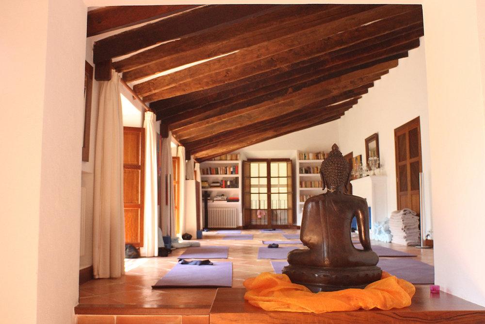 Ashram-Mallorca-Yoga.jpg
