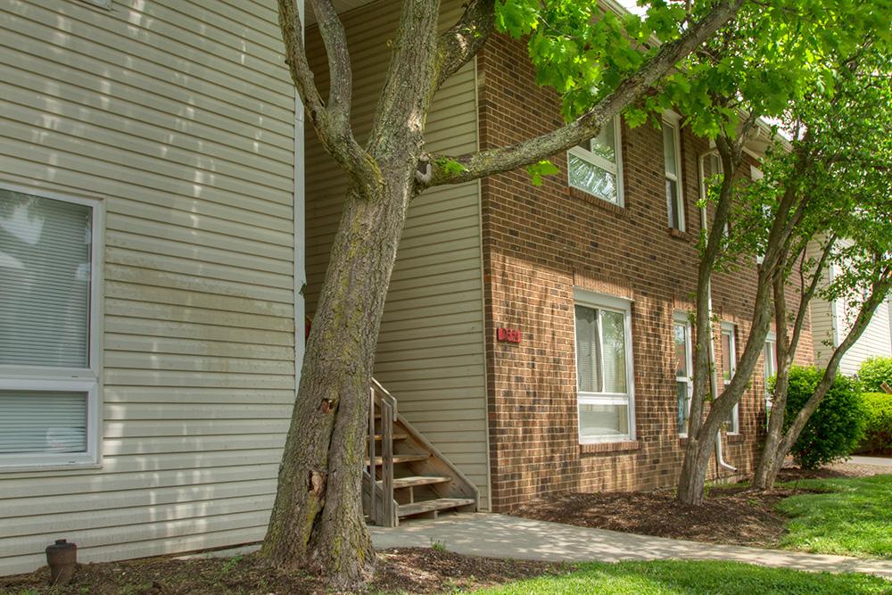 2300 Walden Glen Circle Oficina de Administración Cincinnati, OH 45231 ---- Teléfono: (513) 851-2961 Fax: (513) 851-9112