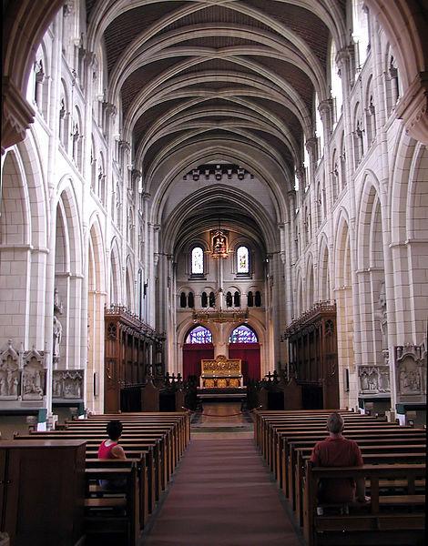 470px-Buckfast.abbey.nave.arp