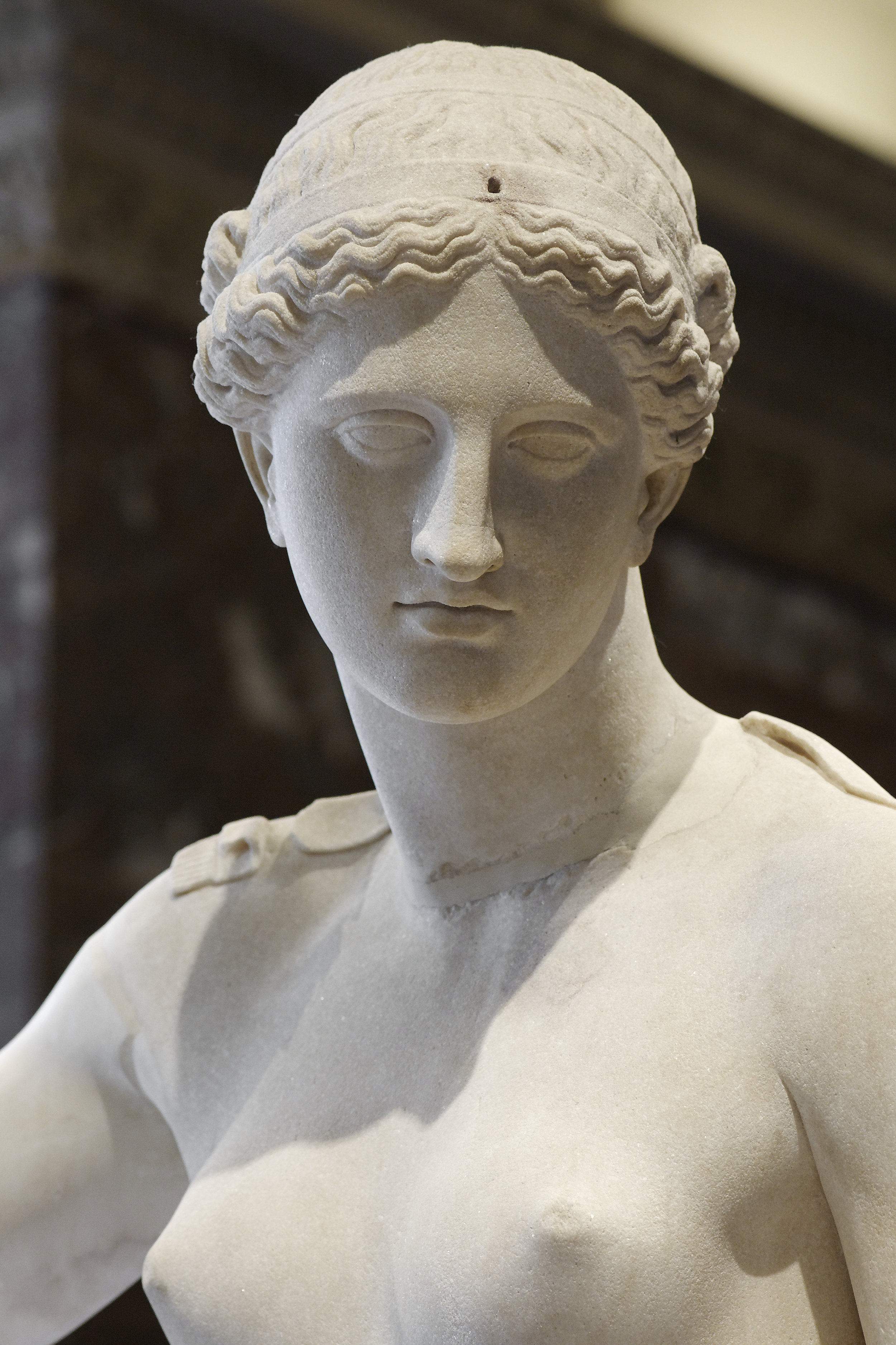 Venus_of_Arles_Louvre_Ma439_n04
