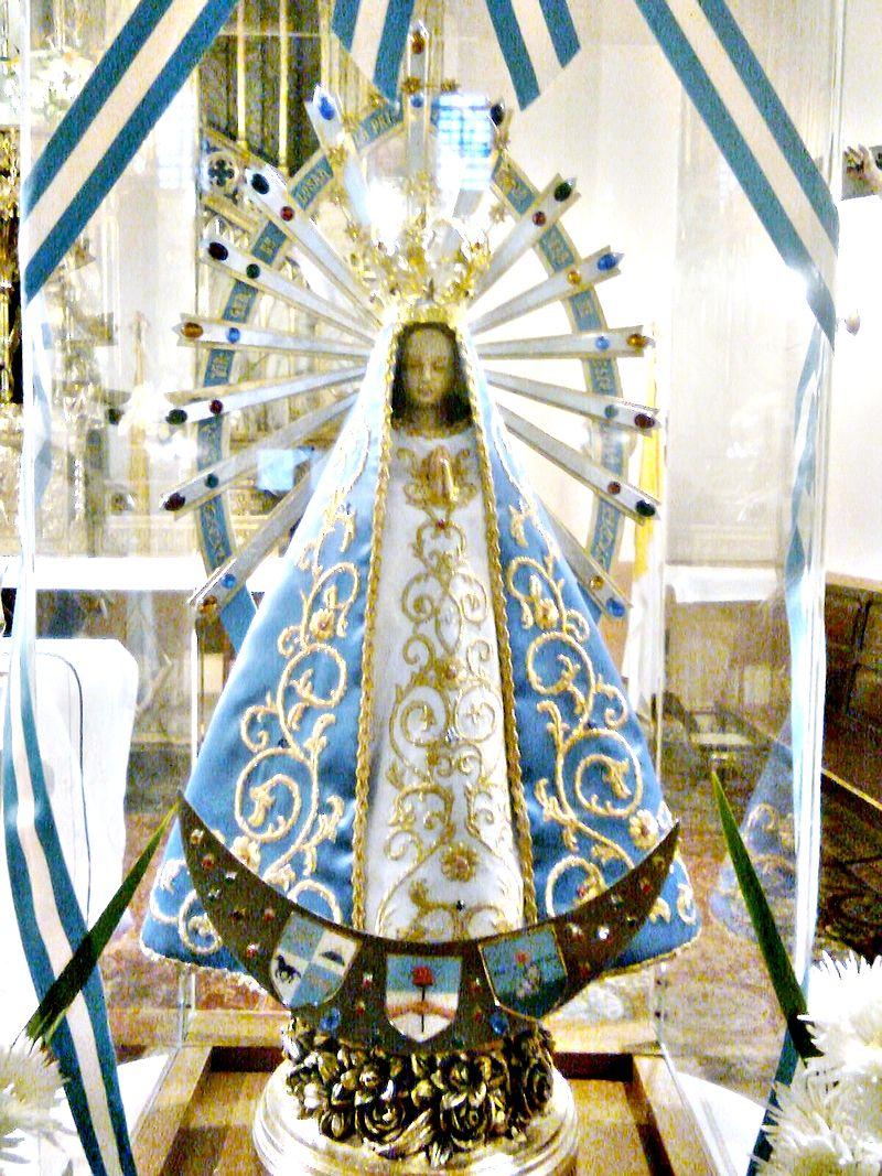 800px-Virgen_de_Luján-Réplica