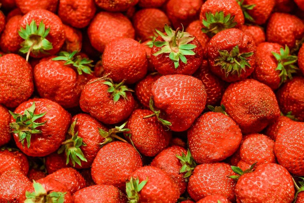 strawberrypretzelsalad.jpg
