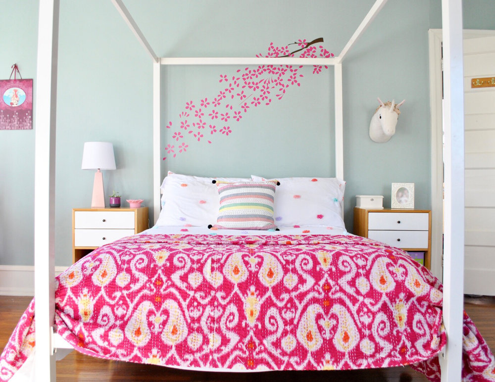 Bright-Boho-girls-bedroom.jpg