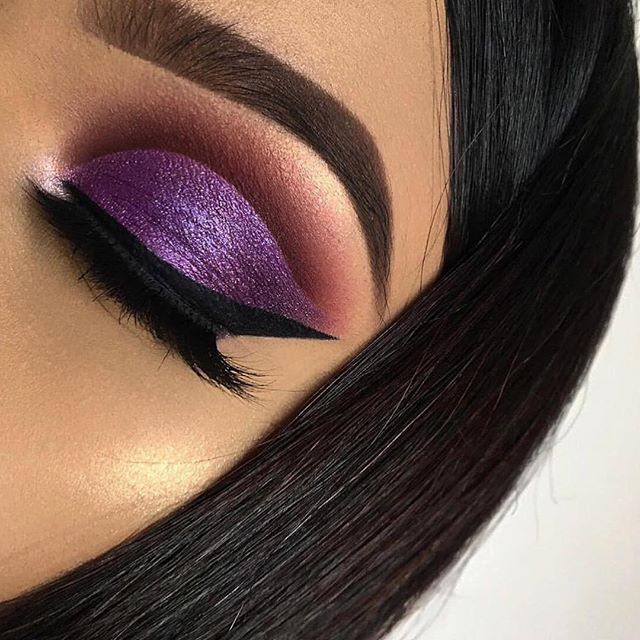 Love this look by @aroni.hossain 💕 • She used the @morphebrushes Eyelid Primer - Translucent and her eyeshadow looks amazing 😍 • Many reviewers love this product and say it does the job right for only $10! Users say it's great for keeping eyeshadow in place without making the eyelid oily. Others also say it helps eyeshadow looks last for hours 🔥 #candidbeauty #beauty #authentic #makeup #glowup #glow #happy #beautiful #amazing #cosmetic #highlighter #cute #happy #2018 #highlights #eyeshadow #girl #girls #eyelashes #mascara #lipstick #eyebrows #prettygirls #startup #productreview #officialcandidbeauty #morphe #eyelidprimer #morphebrushes