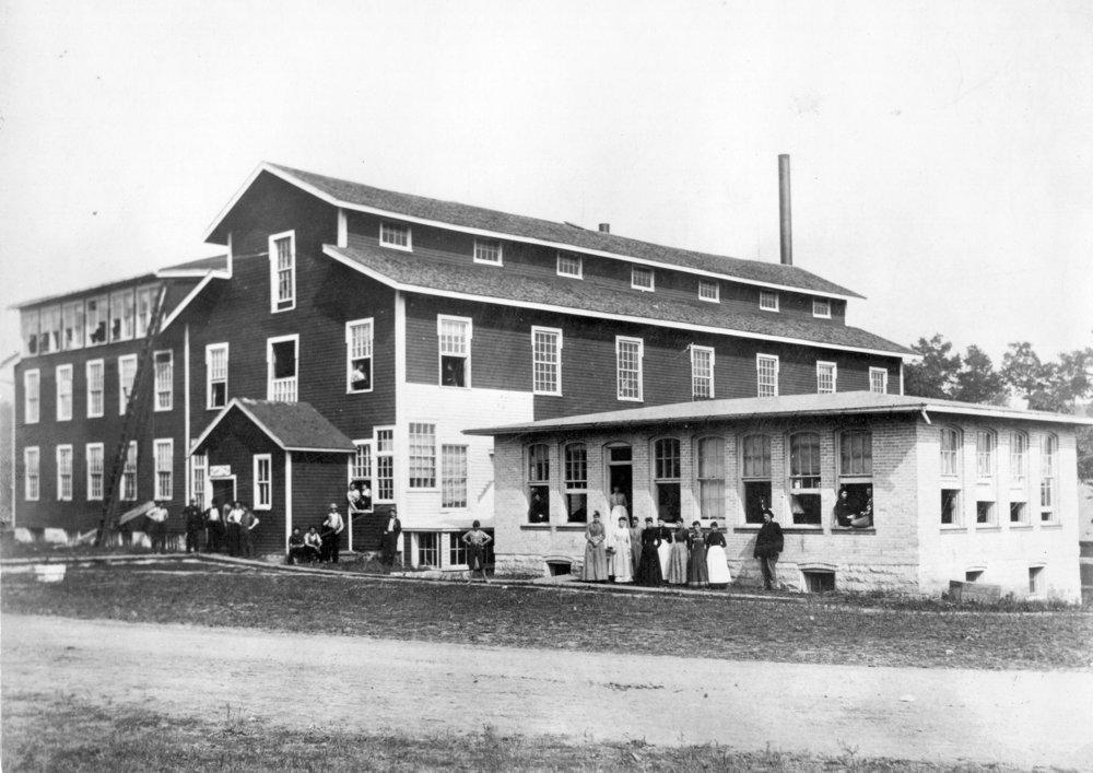Island Woolen Mill B20-34CA.jpg