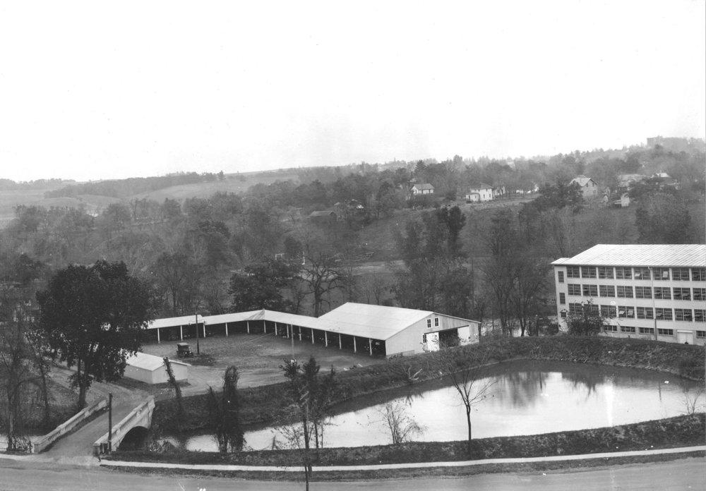Woolen Mill, 400-2004Ac.jpg