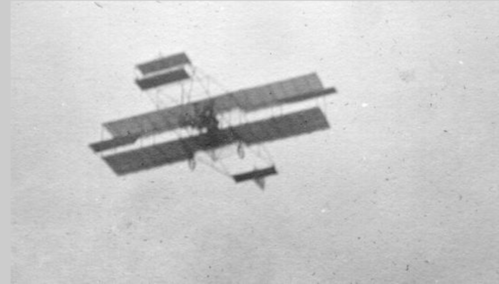 Nels J. Nelson flying over Baraboo 1911