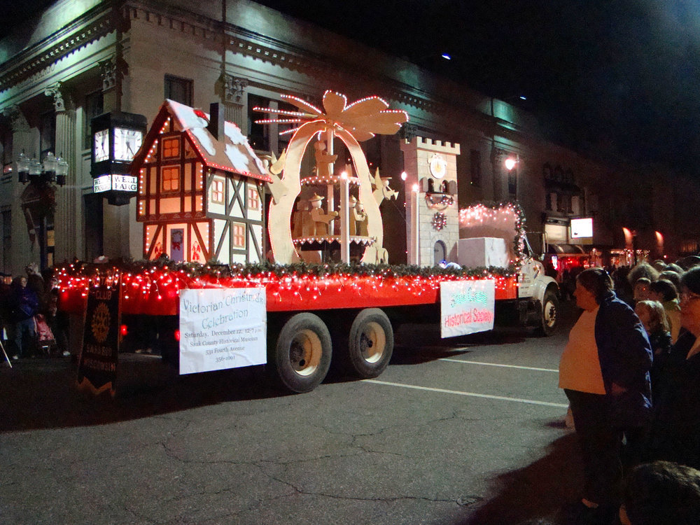 Parade Float 3.jpg