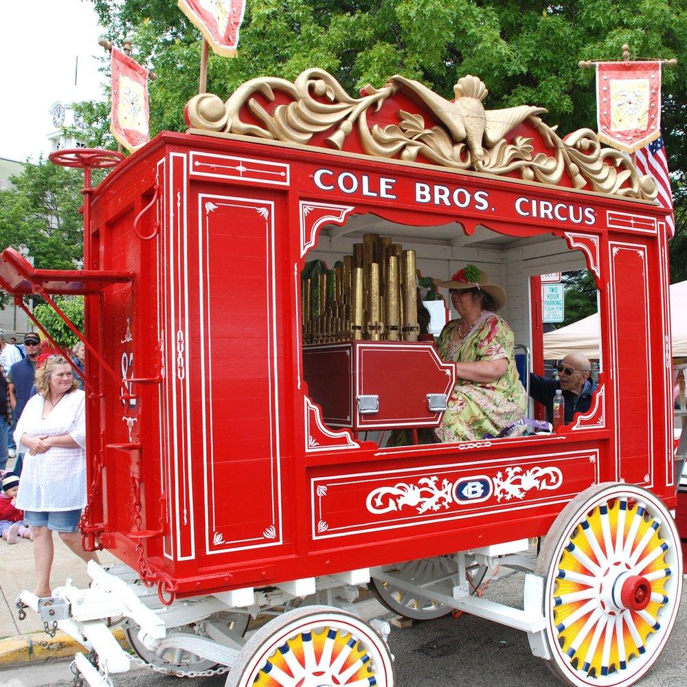 Circus Wagon 1.jpg