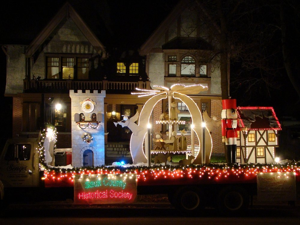 Baraboo Christmas,as Light Parade Photo Tour