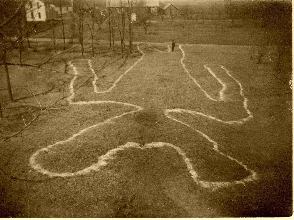 Man Mound Landmark Gathering Photo Tour