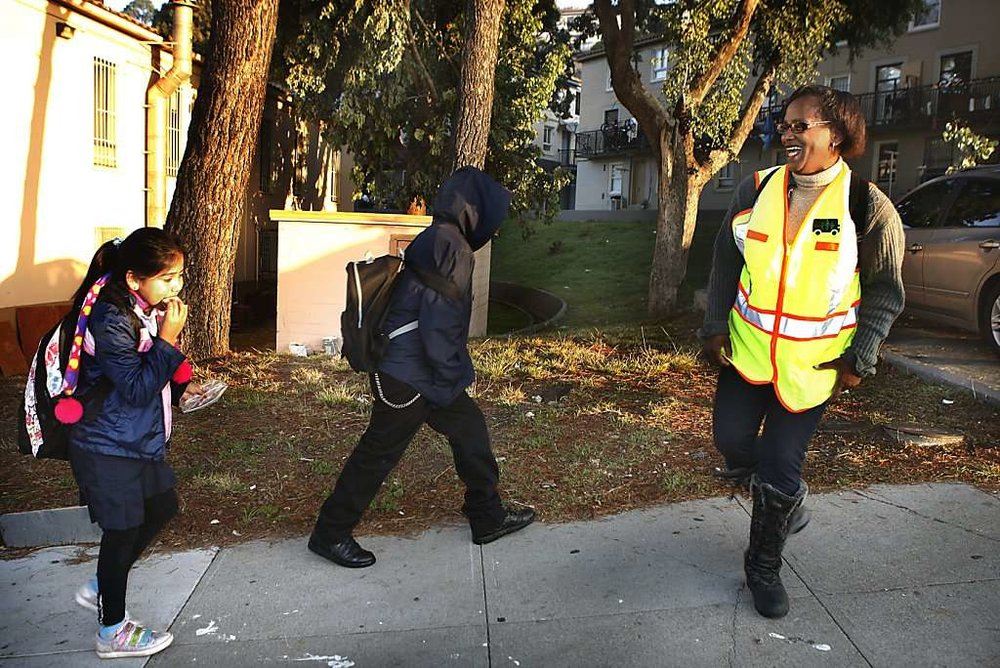 Walking 'school bus' helps put kids on course - By Lois Kazakoff,Photos: LIZ HAFALIA