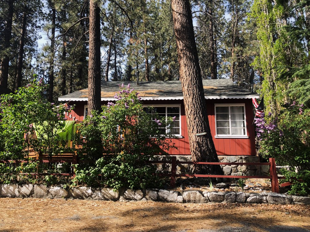 Lilac Cottage, our home for the night. Probably moving to Wrightwood.