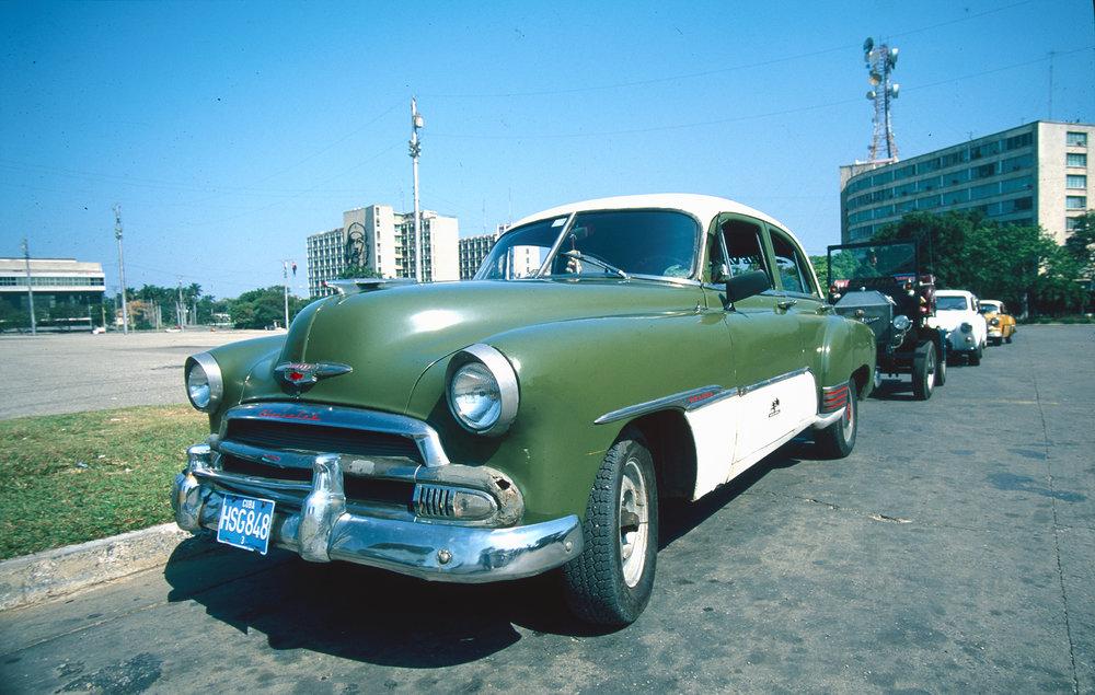 Cuba_car_2000px.jpg